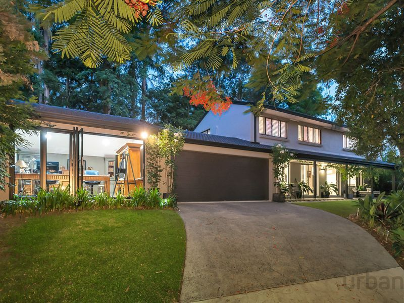 SOLD BY CAROLINE BROWN 0409 544 020
